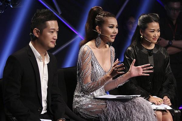 Host của chương trình - Thanh Hằng, nhận xét về quán quân: Ngọc Châu không khiến tôi băn khoăn về việc em có cân đối được người mẫu thương mại hay cao cấp, mà là em có đủ niềm đam mê để đi hết con đường không.