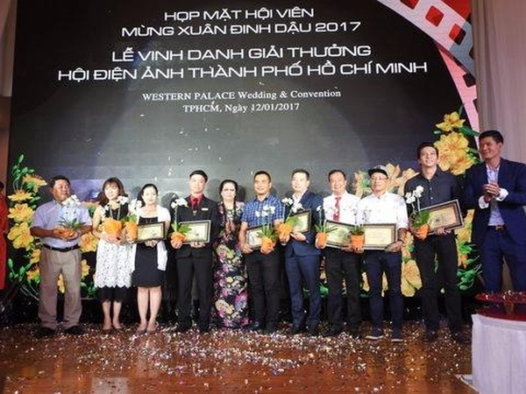 Đây cũng dịp cuối năm, Hội Điện ảnh TP.HCM tổ chức buổi họp mắt và tri ân toàn thể hội viên công tác trong ngày điện ảnh và truyền hình. Ảnh: CAO