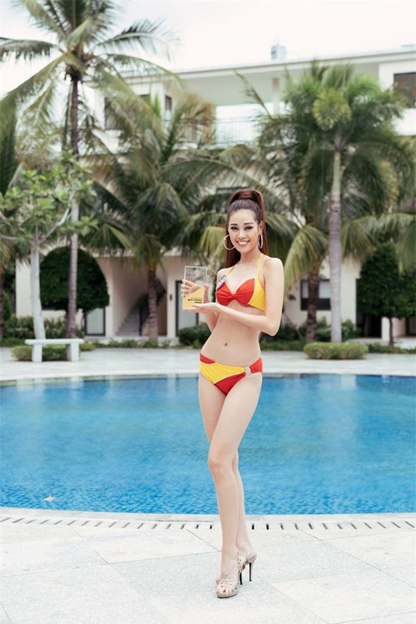 Tân Hoa hậu Hoàn vũ Khánh Vân nóng bỏng với bikini - ảnh 19