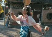 Hoàng Thùy Linh thả vàng anh, cắt duyên âm