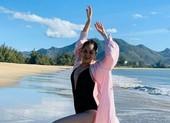 Nữ hoàng dancesport Khánh Thi khoe dáng trên biển