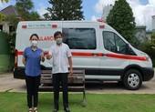 Nghệ sĩ Việt Hương tặng xe cứu thương 2,5 tỉ đồng cho ông Đoàn Ngọc Hải