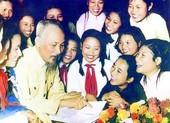 NSND Thu Hiền hát 'Bác Hồ Một Tình Yêu Bao La'