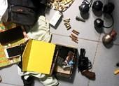 Bắt ma túy trong nhà nghỉ, thu nhiều súng đạn tại nhà