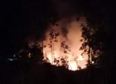 Lửa cháy xuyên đêm ở Quảng Ngãi thiêu hơn 30 ha rừng