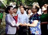 Chủ tịch Quốc hội thăm người dân sắp di dời khỏi di tích ở Huế