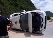 Xe biển xanh chở học viên cai nghiện bị lật tại Đà Nẵng