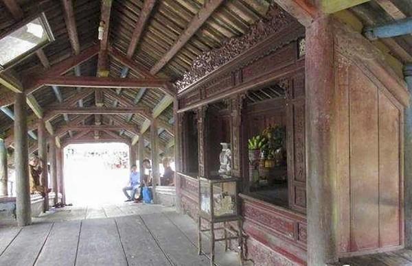 Hiện, người dân và du khách đã có thể tham quan, lưu thông trên cầu ngói Thanh Toàn. 1