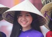 Nữ sinh Đồng Khánh duyên dáng trong ngày kỷ niệm