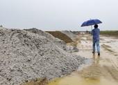 Xử lý hàng trăm m3 cát lẫn vỏ sò biển tại dự án làm đường