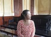 Người phụ nữ trộm giấy tờ đất của khách đến nhà chơi
