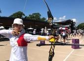 Phi Vũ - Ánh Nguyệt bắn mũi tên đầu tiên cho thể thao Việt Nam