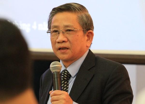 GS Nguyễn Minh Thuyết tại buổi họp báo.