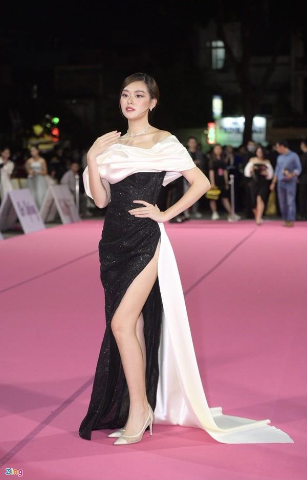 Dàn sao đổ bộ đêm chung kết Hoa hậu Việt Nam 2020 - ảnh 10