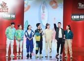 Hari Won mời những cổ máy nói lên sân khấu Bếp vui bùng vị