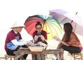 Nam Thư và Kha Ly vịn đủ cớ để ăn xong trốn rửa bát