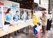 CLB 'Suối mát từ tâm' hơn 15.000 suất cơm tặng bà con nghèo