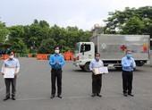 Đội thu gom rác thải y tế ở các cơ sở cách ly tại TP.HCM được thưởng