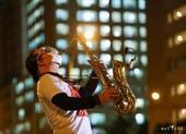 Nghệ sĩ saxophone Trần Mạnh Tuấn đã qua cơn nguy kịch