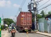 Container va máy biến áp, hàng trăm hộ dân mất điện