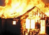 Giận người thân, cụ ông 70 tuổi ở Củ Chi đốt 3 căn nhà