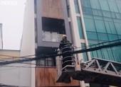 Cháy khách sạn ở TP.HCM, 1 người chết ngạt, 1 bị thương