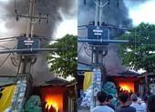 Bình Chánh: Cháy xưởng ống nhựa, nhiều người tháo chạy