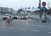 Xe đạp vào làn ô tô đường Phạm Văn Đồng bị phạt 25 triệu đồng
