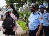TP.HCM xử phạt hàng loạt người không đeo khẩu trang