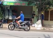 Tái diễn buôn bán 'chui' bất chấp lệnh cấm ở Bình Thạnh