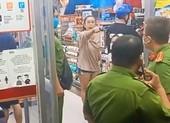 Phạt 1 phụ nữ không đeo khẩu trang, 'quậy' ở cửa hàng quận 4