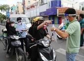 Chở con đi dạo, bị CSGT xử phạt lỗi ra đường không cần thiết