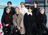 BTS phấn khích khi nhận quà khủng từ fan Việt