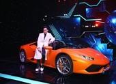 Nguyên Vũ mang Lamborghini lên sân khấu Đấu trường ngôi sao
