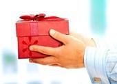 Nghiêm cấm biếu, tặng quà tết cho lãnh đạo dưới mọi hình thức