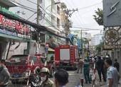 Tường sập, đường bị phong tỏa sau tiếng nổ ở quận Phú Nhuận