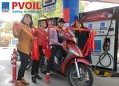 Đổ xăng, bất ngờ nhận băng đeo, stick dán cổ vũ U22 Việt Nam