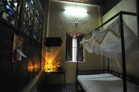 Căn phòng cho khách thuê trong nhà cổ phim Người tình - Ảnh 9.
