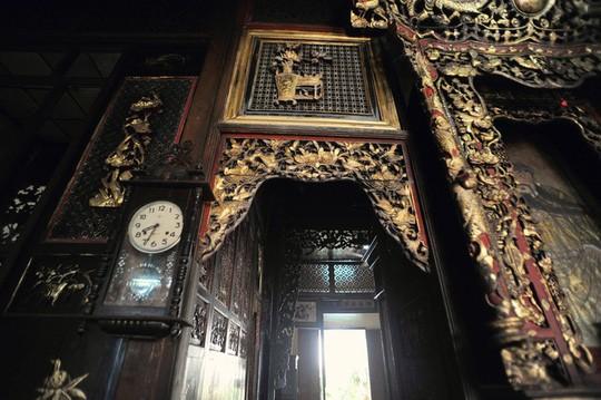 Căn phòng cho khách thuê trong nhà cổ phim Người tình - Ảnh 7.