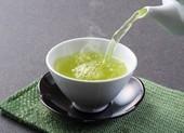 Uống trà khi đói bụng thì lợi hay hại?