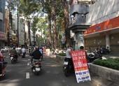 Người dân TP.HCM đội nắng đi mua bảo hiểm ô tô, xe máy