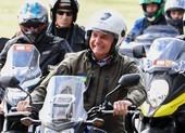 Tổng thống Brazil bị phạt vì không đeo khẩu trang lái mô tô diễu hành