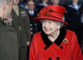 Nữ hoàng Anh thị sát tàu sân bay dự kiến đi qua Biển Đông