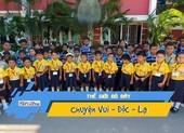 Lạ lùng trường học với 52 cặp sinh đôi
