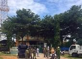 2 vợ chồng Nữ, Đoàn chửi tòa Bình Thuận trên Facebook là ai?