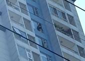 Công an giải cứu cô gái có ý định nhảy từ tầng 15 chung cư