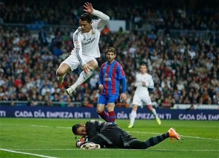 C. Ronaldo tỏa sáng trong chiến thắng của Real Madrid