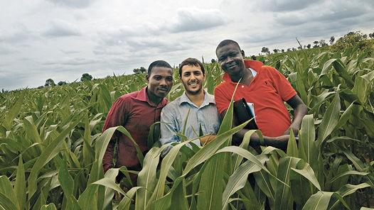 Menéndez đã làm việc tại Nigeria suốt hơn 1 năm qua