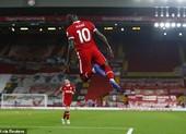 Robertson lập công chuộc tội, Liverpool ngược dòng hạ Arsenal