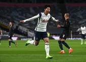 Tottenham hạ gục Man City lên đỉnh Premier League